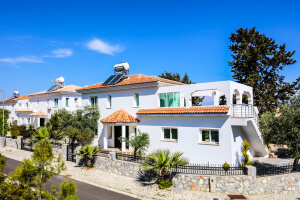 Four bedroom villas in Bellapais