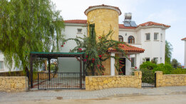 Charming four bedroom villa in Bellapais