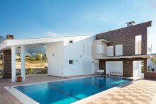 Luxury villa in the suburb of Kyrenia
