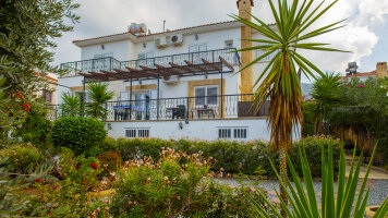 Wonderful four-bedroom villa in Bellapais
