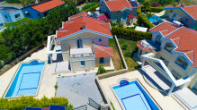 Elite complex of villas in just 50 m away from the sandy beach