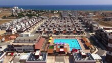 Fully furnished one-bedroom apartment in a beach complex